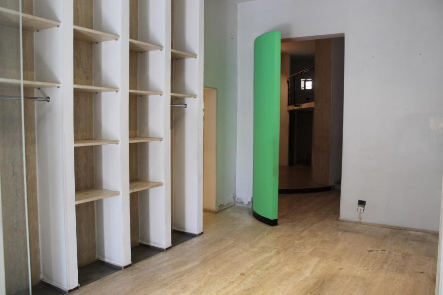 Corso giannone vendita locale commerciale 95 mq c a for Subito it appartamenti arredati bari