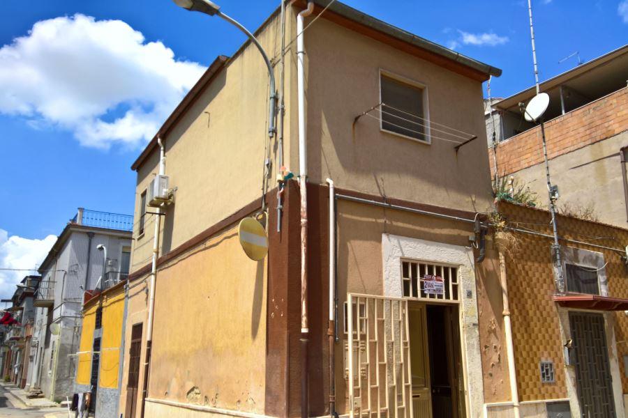 Vendita piano terra via rignano pace immobiliare for Subito it appartamenti arredati bari
