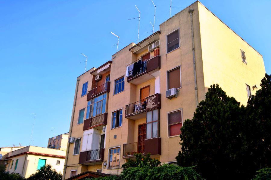 Zona stadio trilocale ristrutturato pace immobiliare for Subito it appartamenti arredati bari